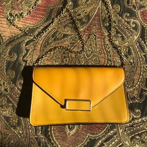 Mustard yellow purse, like new
